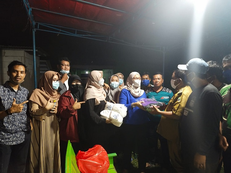 Partai Gelora Gelar Bhakti Gelora Bantu Korban Banjir di Bekasi