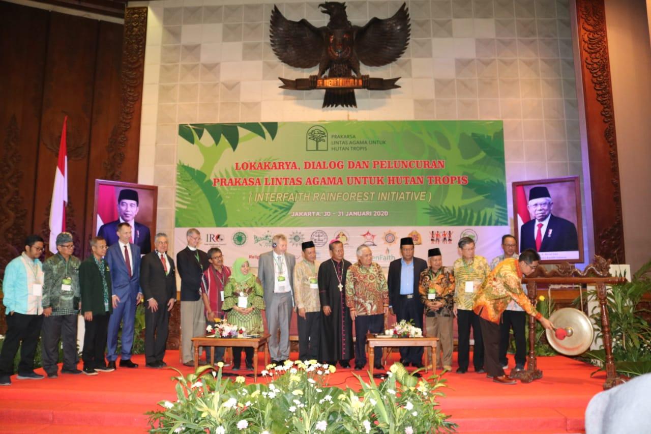 AGAMA-AGAMA BERKOLABORASI MENDUKUNG PELESTARIAN HUTAN TROPIS INDONESIA