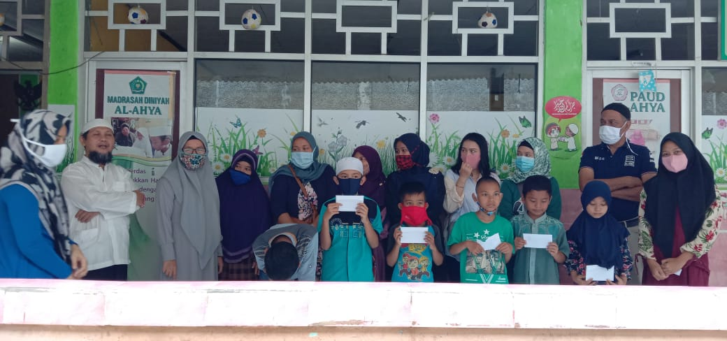 Baraya Care Santuni Anak Yatim dan Bagikan Sembako