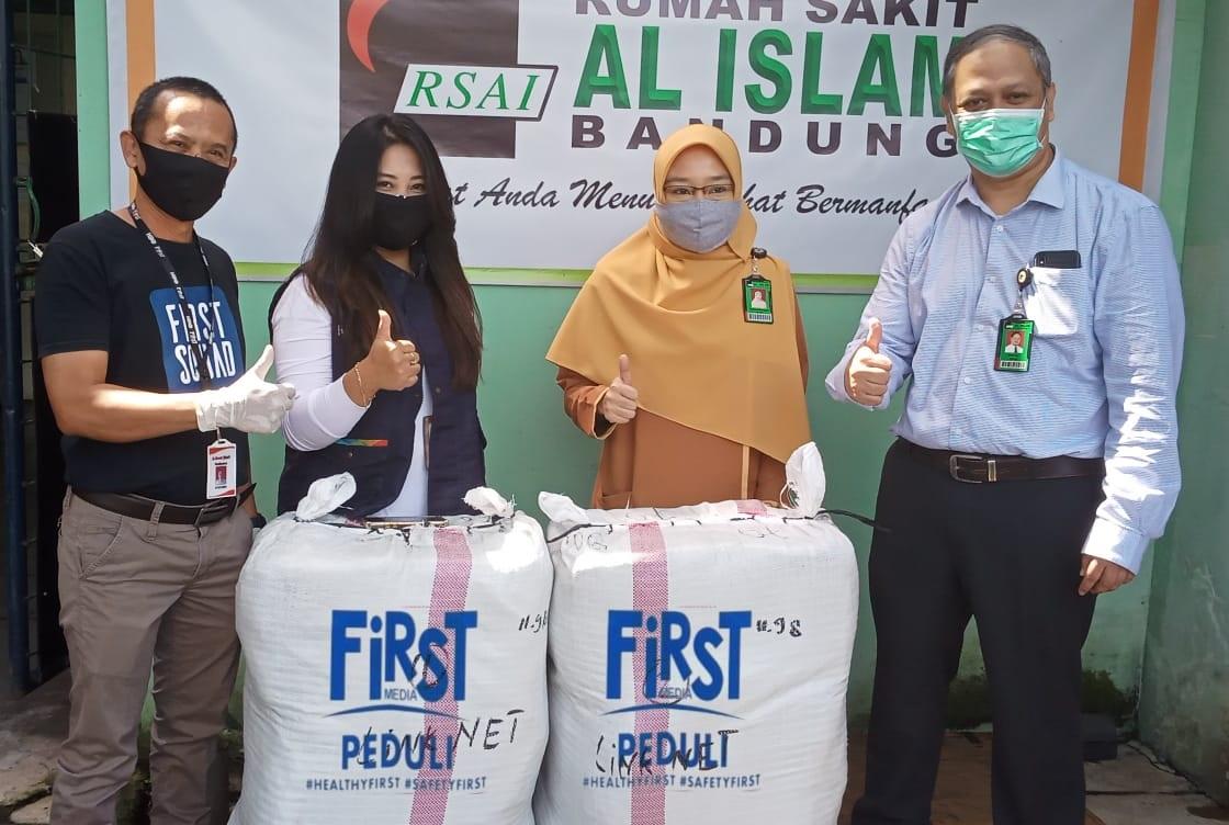 Donasi 4500 Alat Pelindung Diri ke Duabelas RS Rujukan COVID-19 di Sepuluh Kota di Indonesia