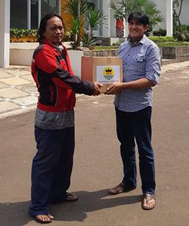 IKS Peduli Bagi-bagi Sembako di Jakarta