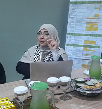 Aktifis Kulluna Maryam asal Al Quds Sambangi  Muslimah Wahdah Islamiyah