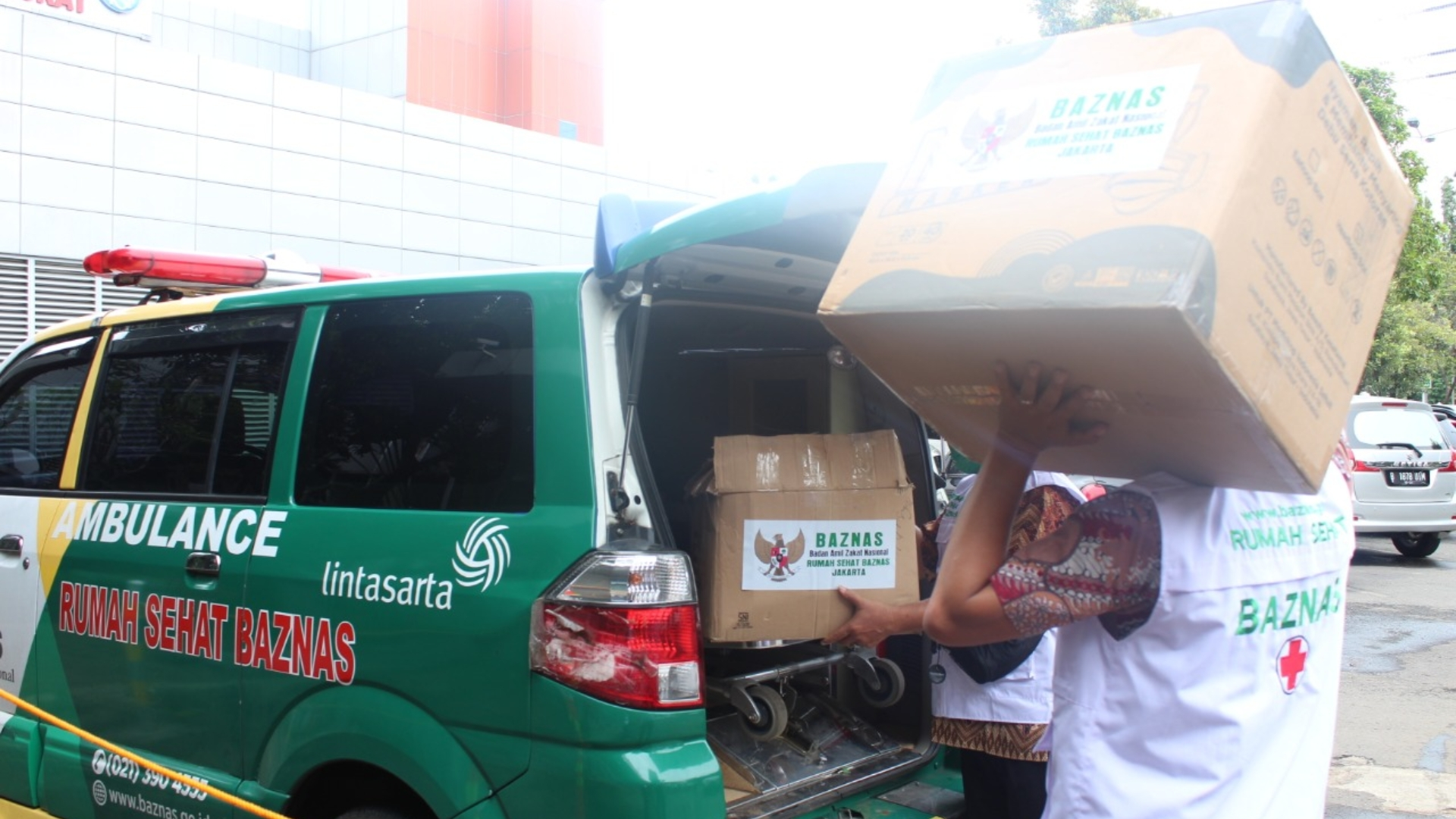 BAZNAS Distribusikan 10 Ribu Masker untuk Tenaga Kesehatan di RSUP Persahabatan