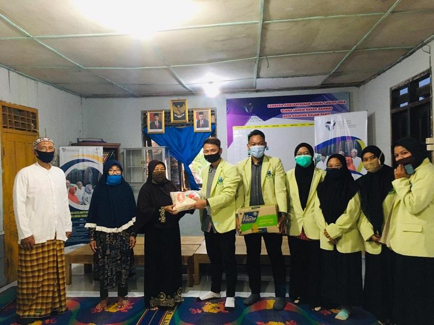 BAKTI SOSIAL MAHASISWA PSIKOLOGI ISLAM DI PONPES LANSIA RADEN RAHMAT BANYUBIRU