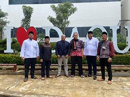 CEO Mina Vision M. David Salim Bersilaturrahmi ke Kediaman KH. Yusuf Mansyur