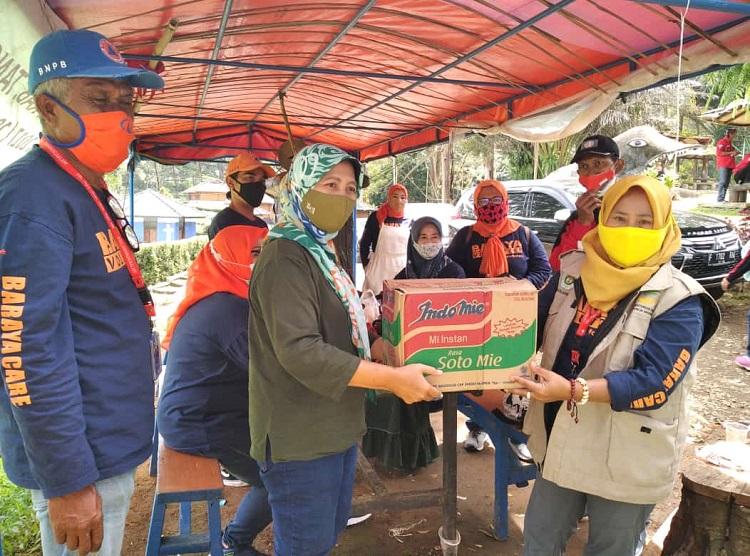 Baraya Care, Menyalurkan Bantuan Untuk Korban Bencana Banjir Gunung Mas