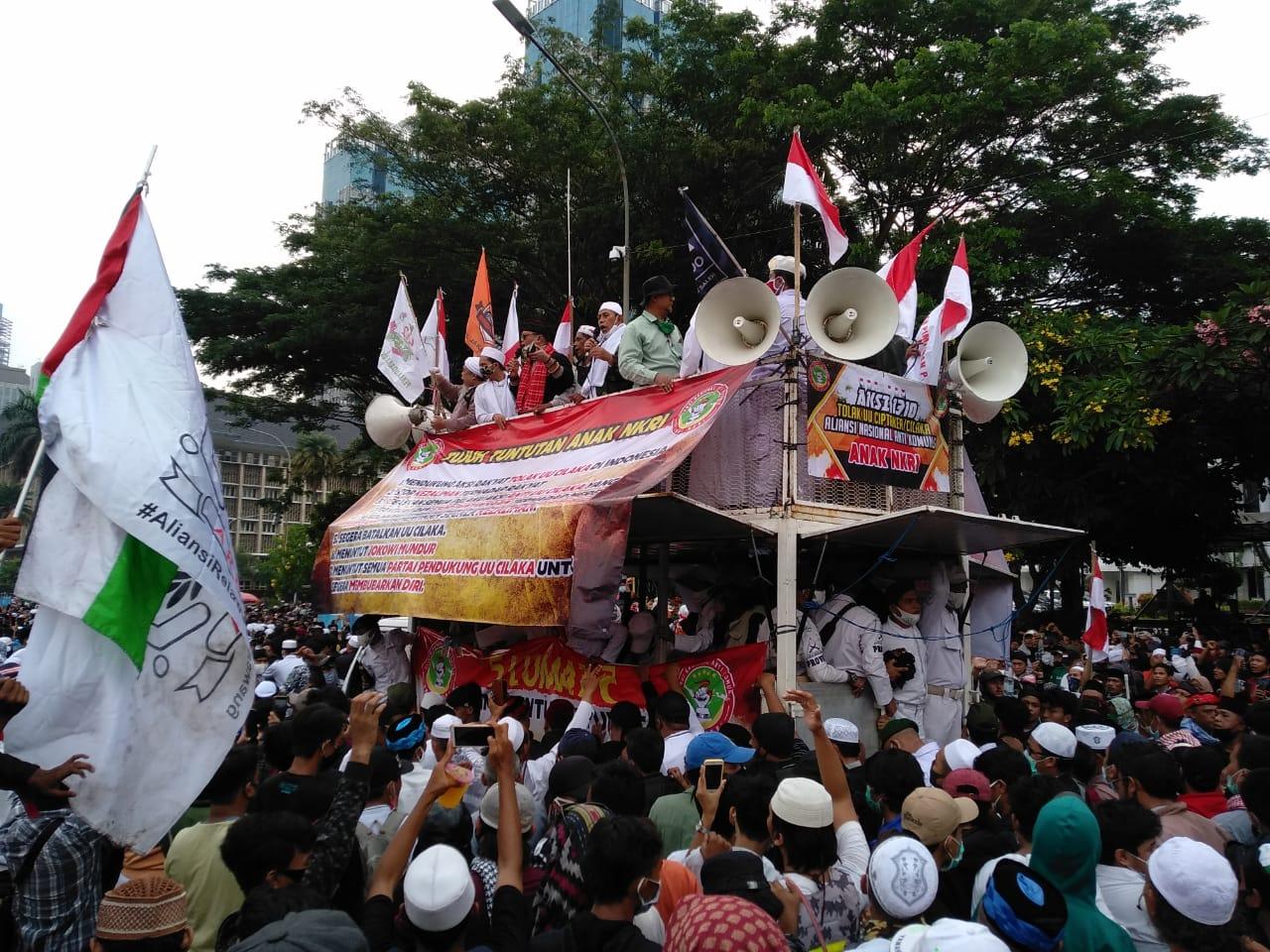 Menanti Kepulangan Rizieq Shihab ke Indonesia