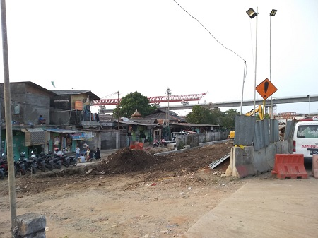 Warga Cakung Barat Sempat Didatangi Polisi Bertahan di Lokasi Pembangunan Tol