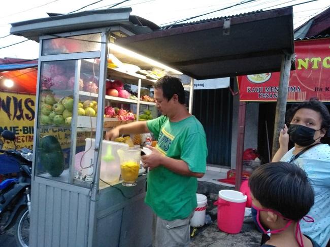 Sop Kaldu Buah di Jakarta Timur Tawarkan Kesegaran Berbuka Puasa